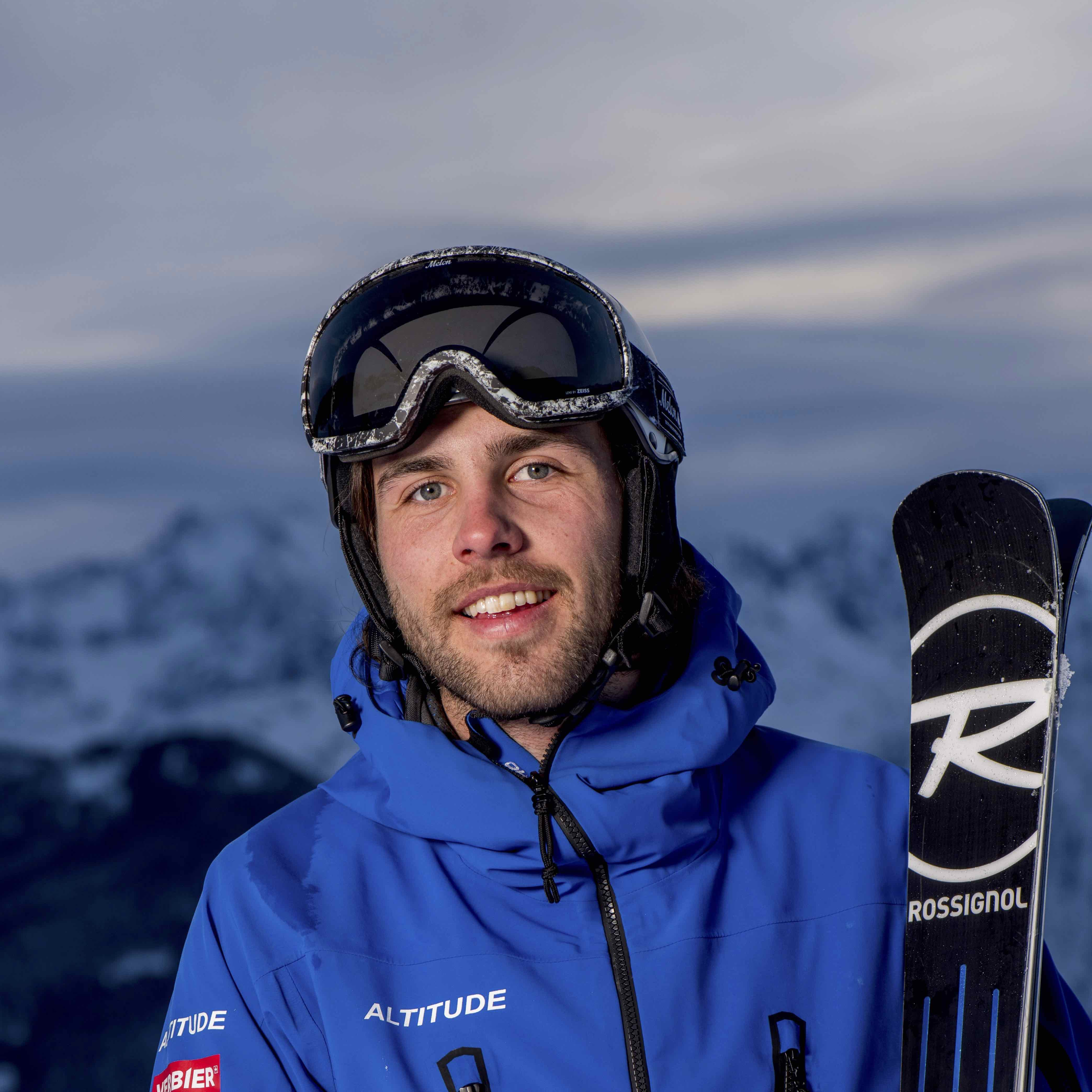 What is the best equipment to choose for your ski instructor course?